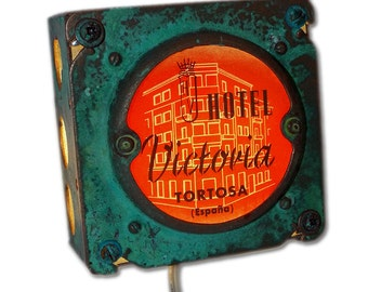 Retro Hotel Victoria Spain Night Light Luggage Label Industrial Chic
