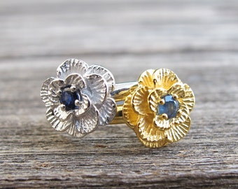 Blue Sapphire Promise Ring- Flower Sapphire Engagement Ring- September Birthstone Ring- Unique Stackable Ring- Blue Gemstone Ring