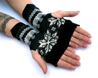 SALE Winter  Arm Warmers Fingerless Gloves - Christmas, Arm Warmers , Snowflakes Armwarmers Black and White