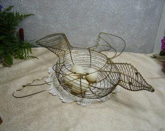 Gold Tone Wire Flying Bird Egg Gathering Basket