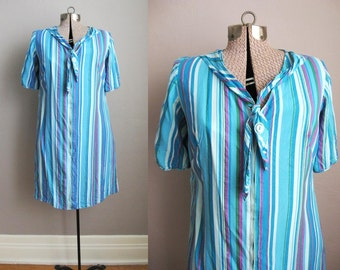 1960s Vintage Dress Striped Cotton 60s House Dress Mad Men / Large XL