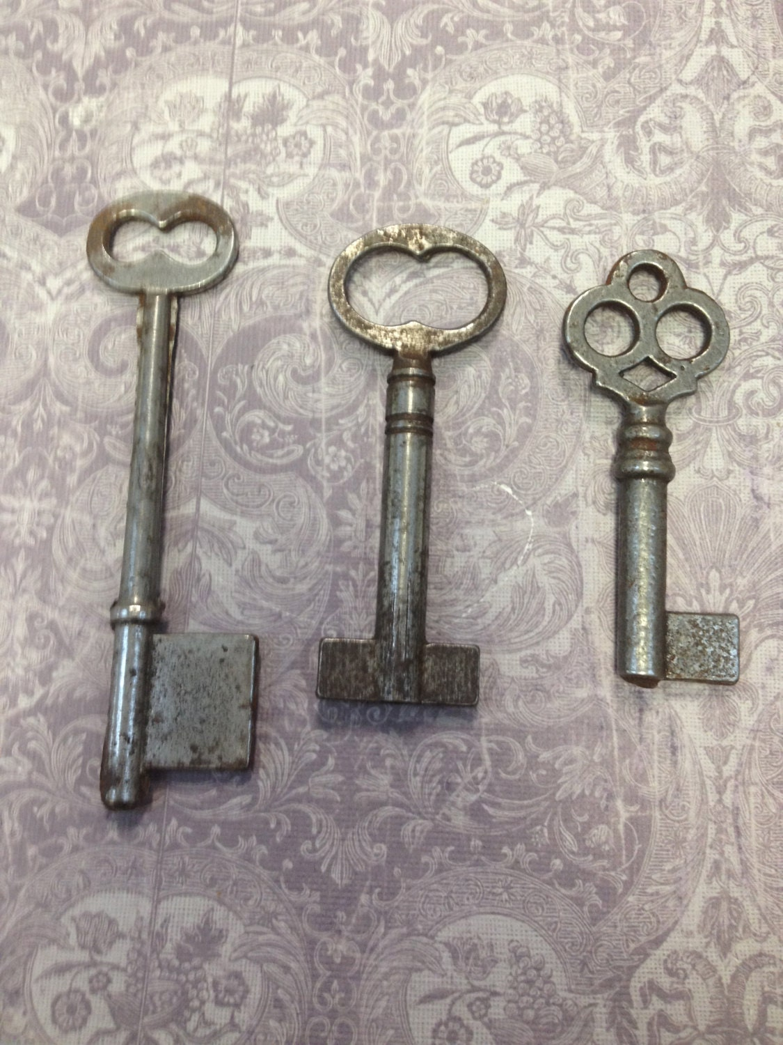 vintage keys antique keys great for jewelry or altered art