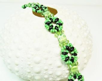 Green Bead Weaving Bracelet, Crystal and Seed Bead Bracelet, Woven Bracelet