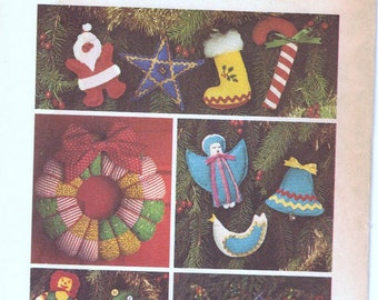 Simplicity 7736 Christmas Decor Uncut wreath tree skirt ornaments