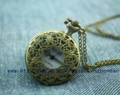Exquisite The hollowed-out engraved Pocket Watch Necklace Vintage Jewelry 40 x 40 mm