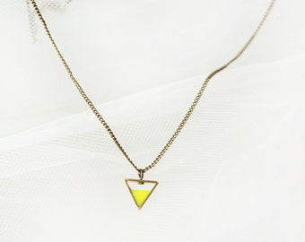 Neon yellow Triangle short necklace