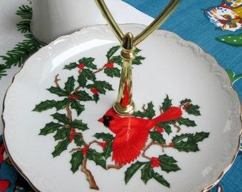 Red Cardinal Christmas Server