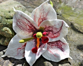 Felted Very noble lily for the bridal bouquet, the lily is wonderful as a decoration