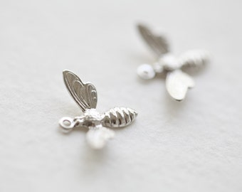 Sterling Silver Bumble Bee Charm - 925 sterling silver, insect nature charm