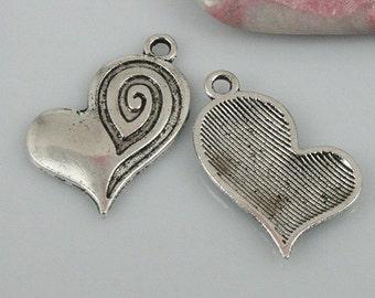 22pcs tibetan silver color heart charms EF0450