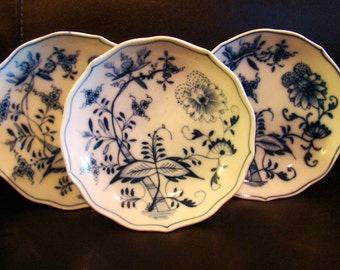 Blue Onion Pattern Shallow Bowls with Scalloped Edges Set of 4 ON SALE