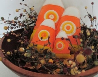 CANDY CORN PILLOWS Tucks Set of Four Assorted Sizes Holiday Home Décor Hostess Gift Photo Props