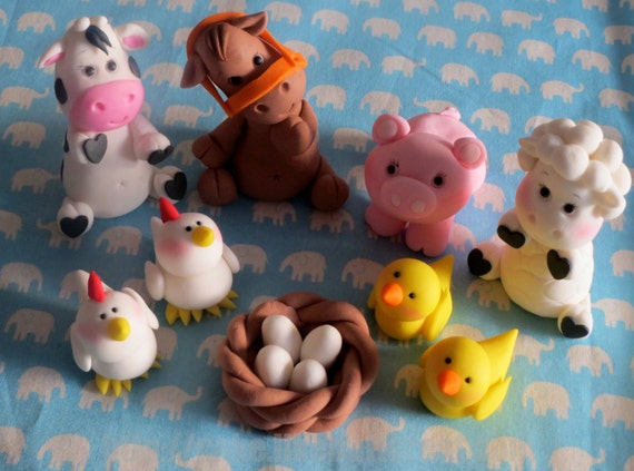 Items similar to adorable fondant farm animal cake toppers for Animal cake decoration