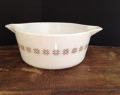 """Vintage Pyrex """"Town and Country"""" 475-B 2 1/2 qt mixing Bowl"""