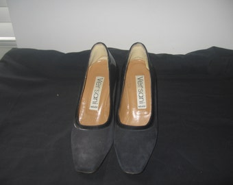 Women Vintage blue suede and patent leather pumps by versani size 5 shoes