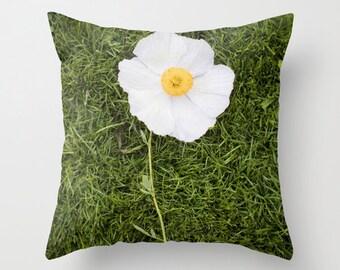 Flower Pillow Case - Nature Pillow Cover - Poppy Pillow - Yellow and White Pillow - 16x16 18x18 20x20 Pillow Cover