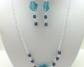 Swarovski jewelry set - Blue Jewelry set - Blue crystal earrings - Geometric jewelry set - blue necklace - blue earrings