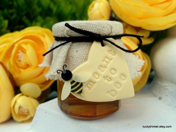 Meant to bee honey jars wedding favors by luckytrinket on etsy for Honey bee wedding favors