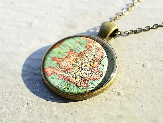 Vintage England necklace, England map pendant charm,map jewelry,photo pendant- M4015CP