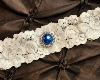 Ivory Wedding Garter, Ivory Bridal Garter - Ivory Lace Garter, Toss Garter, Something Blue Wedding Garter, Blue Pearl Wedding Garter