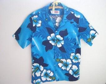 Vintage 70's POMARE Hawaiian Floral Shirt // Blue & White Hawaii Nubby Barkcloth Hibiscus Flowers // Size Medium