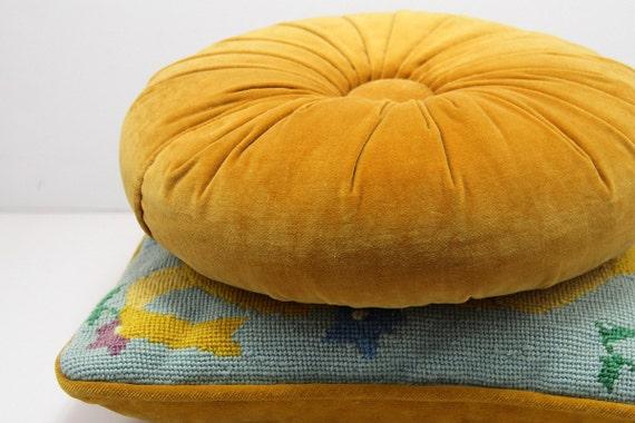 Vintage Round Velvet Tufted Pillow Gold Circle Pillow