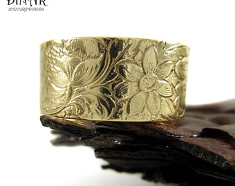Floral ring Band in 14k Yellow Gold ,wide wedding ring band, engraved flower ring, solid gold band,engraved leaves and flowers