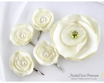 Set of 5 Hair Comb and 4 Bobby Pins with Handmade Flowers in Ivory