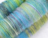 Sweet Rolls - Rolags hand blended for spinning - 1 oz increments - Green Lacewing