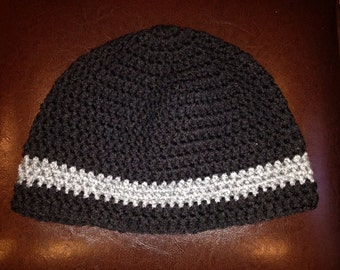 Black hat with gray stripe
