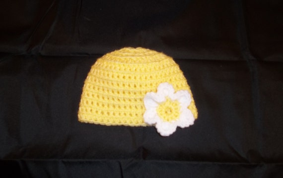 0 to 3 Months Sized Newborn Yellow Hat with White Flower