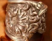 Vintage Sterling Silver - HANDMADE Art Nouveau Floral - Spoon Ring (122)