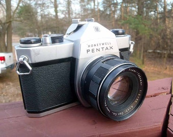 Pentax SP1000 HONEYWELL model! Ashahi Pentax 35mm camera-works perfectly!!!