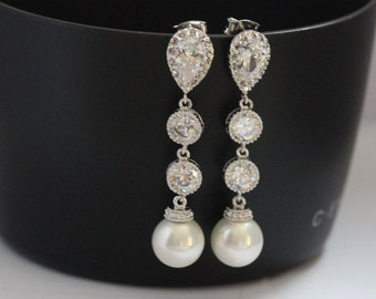 pearl drop earring , white pearl wedding earring , round drop earring , bridesmaid earring
