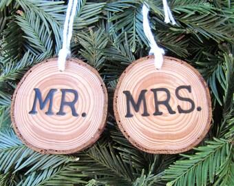Wedding Christmas Ornament Date, Custom Wedding Ornament, Mr and Mrs Wedding Decoration, Personalized Wedding Ornament