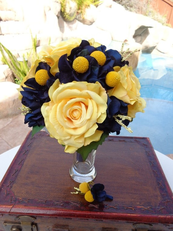 Bridal bouquet in Open yellow roses and Navy hydrangea