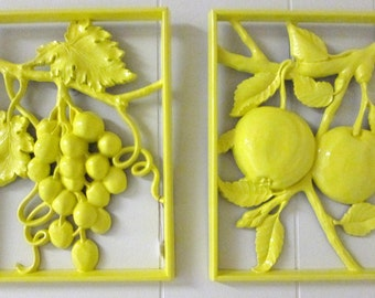 Vintage Syroco fruit plaques