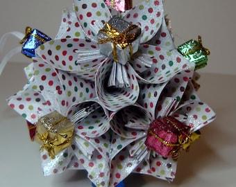 Small Kusudama Flower Ball Ornament (Presents V4)