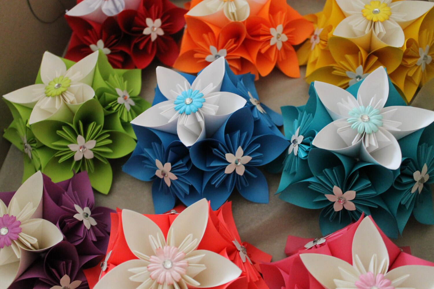 Origami kusudama decorations for Decoration origami