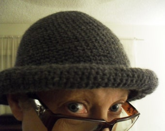"""Hand crocheted """"Derby"""" hat with roll brim. With or without black hat band. Gloves to match avaiable."""