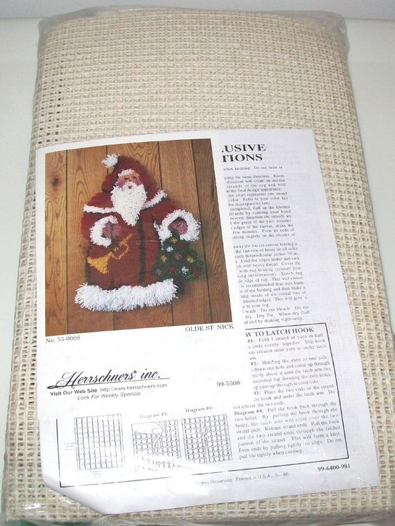 Herrschners Latch Hook Wall Hanging Kit Santa Claus Olde