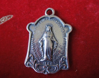 925 sterling silver oxidized Virgin Mary Medal, pendant with Virgin Mary. dog tag, virgin Mary