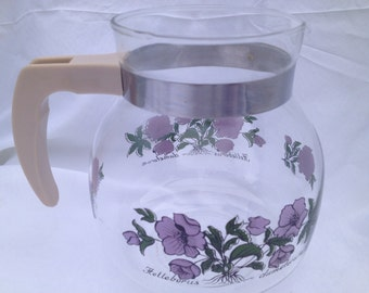 60s vintage scandinavian glass jug. Fantastic condition with purple flowers