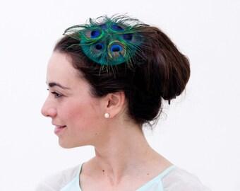 westray tocado de plumas de pavo real y seda verde