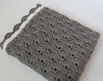 Popular items for neutral baby blanket on Etsy