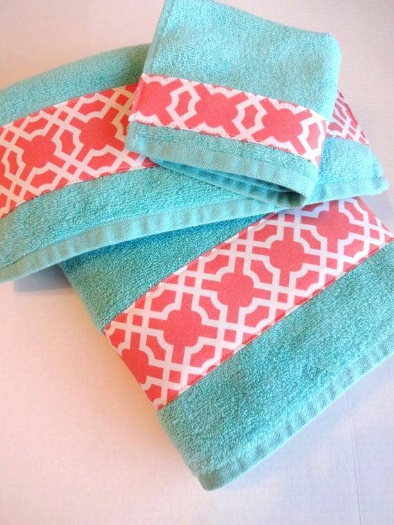 Bathroom Ideas With Blue Towels : Aqua and coral bath towels