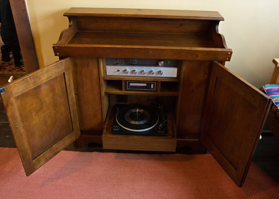 On Sale Console Stereo Magnavox Turntable Solid Wood Country