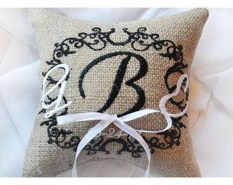 Personalized Burlap Wedding ring pillow , ring pillow, ring bearer pillow , wedding pillow,  embroidered pillow , 7x7 inch. (R14B)