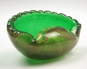 Vintage Murano sommerso green gold leaf scalloped glass bowl