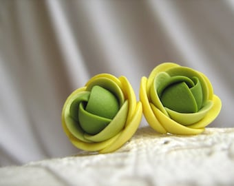 Polymer clay earrings - Green yellow rose flower small stud earrings